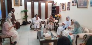Faryal Talpur visited residence of Senator Sehar Kamran to offer condolences on sad demise of her father